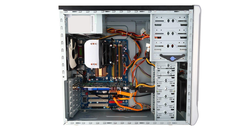 측면 덮개가 제거되어 내부 구성 요소가 보이는 컴퓨터